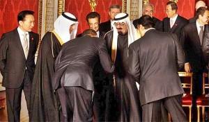 Barack Obama bows to Saudi King Abdullah, 2009